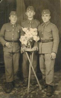 Jon Vučanić u vojsci u Ohridu (1947)47.