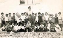 Školska 1968/69. sa učiteljicom Dušankom Živanović